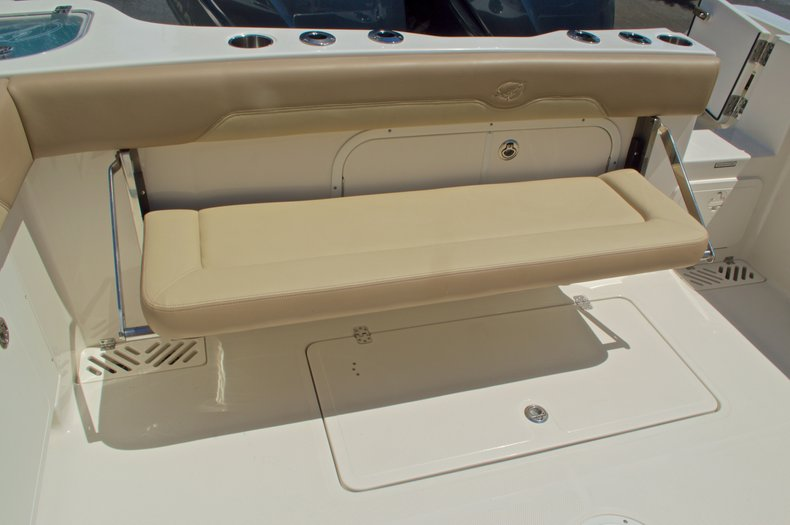 Thumbnail 18 for New 2017 Sailfish 320 CC Center Console boat for sale in Vero Beach, FL