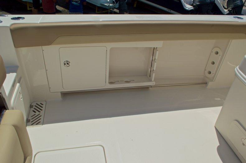 Thumbnail 23 for New 2017 Sailfish 320 CC Center Console boat for sale in Vero Beach, FL