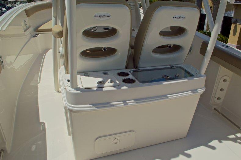 Thumbnail 25 for New 2017 Sailfish 320 CC Center Console boat for sale in Vero Beach, FL