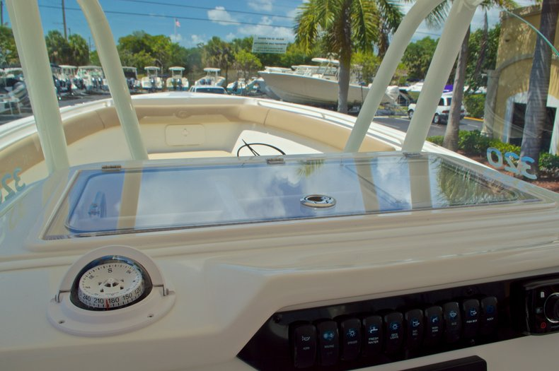 Thumbnail 38 for New 2017 Sailfish 320 CC Center Console boat for sale in Vero Beach, FL