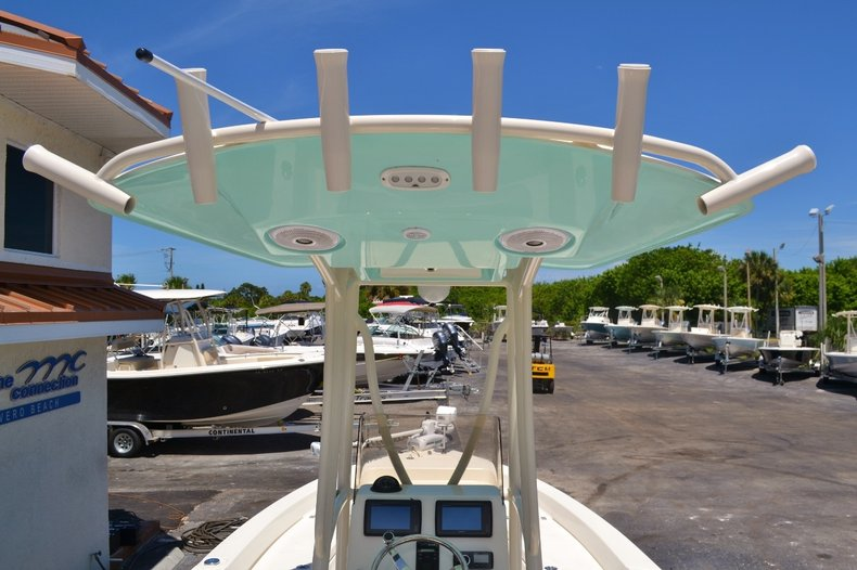 Thumbnail 9 for Used 2015 Pathfinder 2400 TRS Bay Boat boat for sale in Vero Beach, FL
