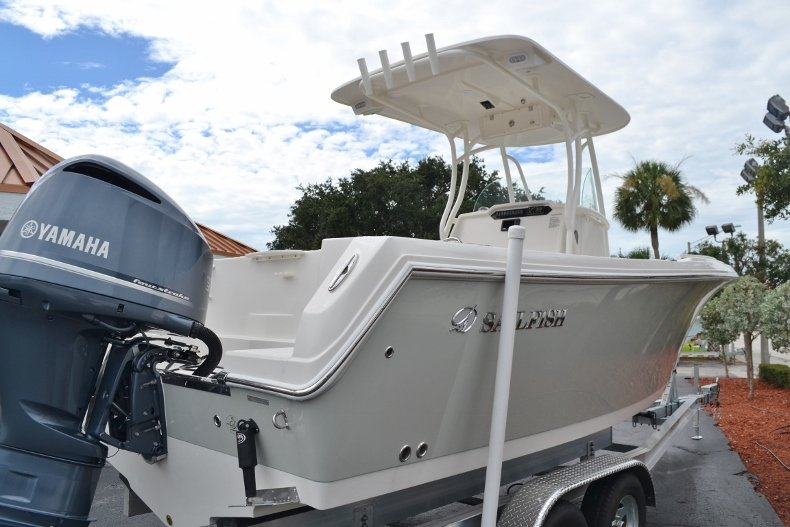 Thumbnail 3 for New 2017 Sailfish 240 CC Center Console boat for sale in Vero Beach, FL