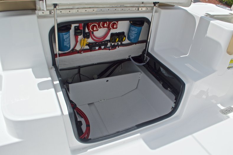Thumbnail 14 for New 2017 Sportsman Heritage 251 Center Console boat for sale in Vero Beach, FL