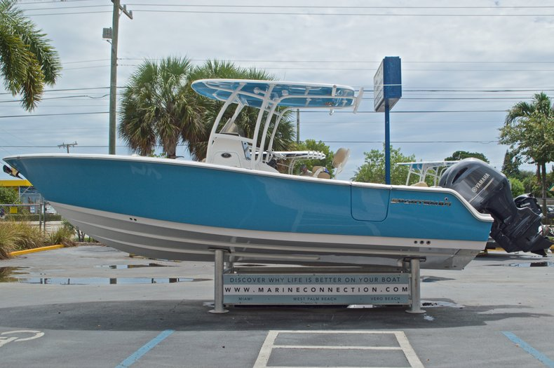 Thumbnail 4 for New 2017 Sportsman Heritage 251 Center Console boat for sale in Vero Beach, FL