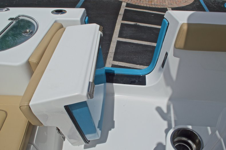 Thumbnail 19 for New 2017 Sportsman Heritage 251 Center Console boat for sale in Vero Beach, FL