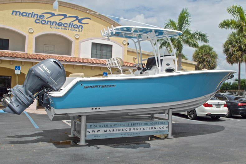 Thumbnail 7 for New 2017 Sportsman Heritage 251 Center Console boat for sale in Vero Beach, FL