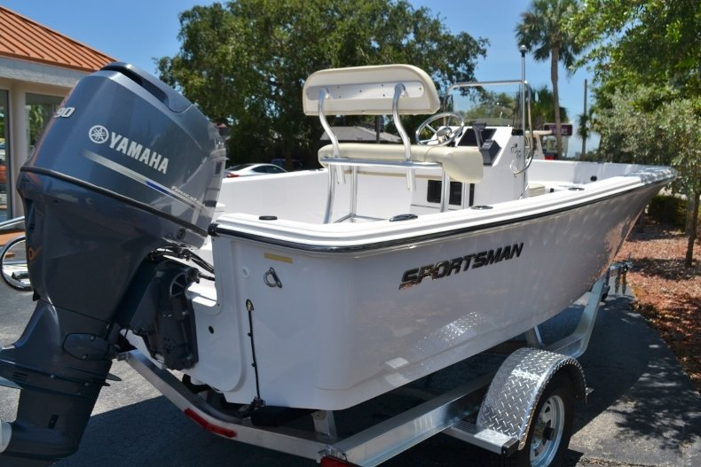 Thumbnail 5 for New 2017 Sportsman 17 Island Reef boat for sale in West Palm Beach, FL