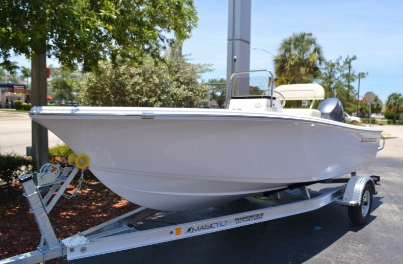 Thumbnail 1 for New 2017 Sportsman 17 Island Reef boat for sale in West Palm Beach, FL