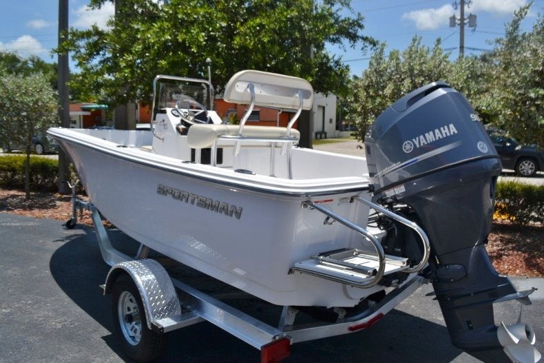 Thumbnail 3 for New 2017 Sportsman 17 Island Reef boat for sale in West Palm Beach, FL