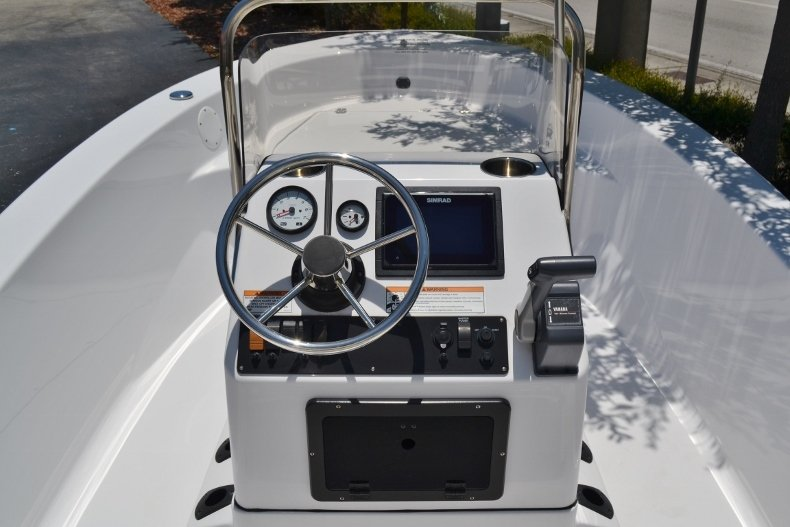 Thumbnail 8 for New 2017 Sportsman 17 Island Reef boat for sale in West Palm Beach, FL