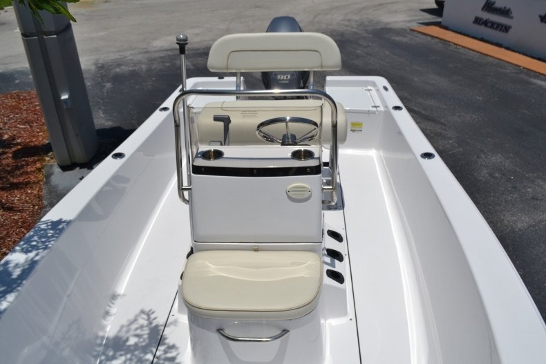 Thumbnail 12 for New 2017 Sportsman 17 Island Reef boat for sale in West Palm Beach, FL