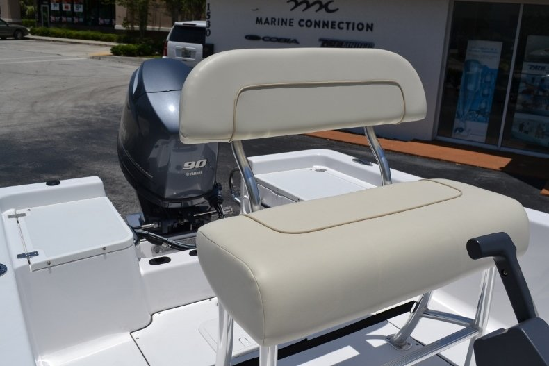 Thumbnail 14 for New 2017 Sportsman 17 Island Reef boat for sale in West Palm Beach, FL