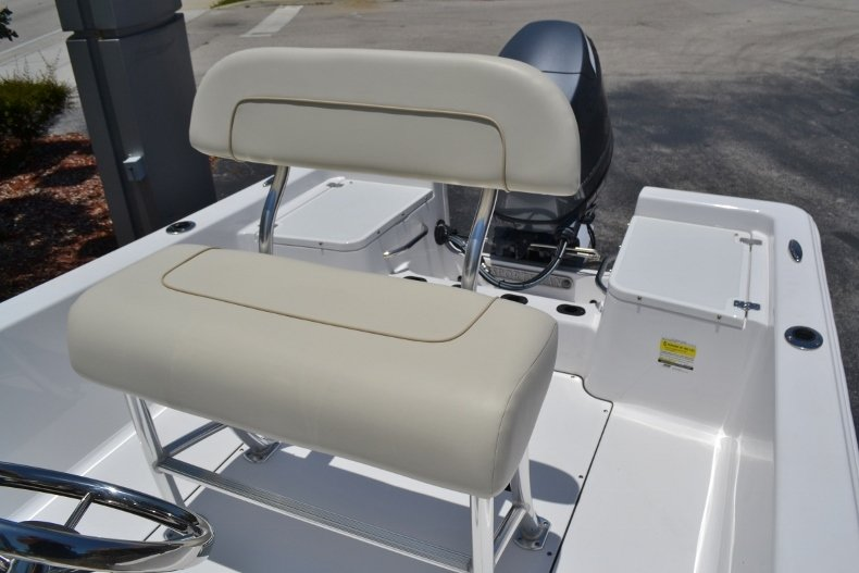 Thumbnail 13 for New 2017 Sportsman 17 Island Reef boat for sale in West Palm Beach, FL