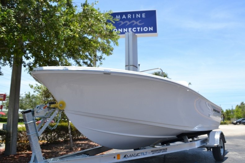 Thumbnail 21 for New 2017 Sportsman 17 Island Reef boat for sale in West Palm Beach, FL