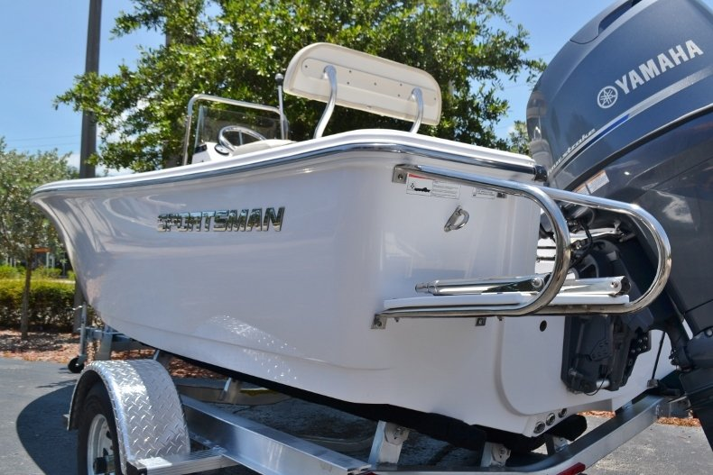 Thumbnail 20 for New 2017 Sportsman 17 Island Reef boat for sale in West Palm Beach, FL