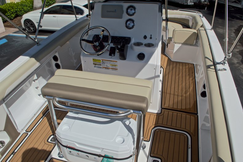 Thumbnail 8 for New 2017 Hurricane CC21 Center Console boat for sale in Vero Beach, FL