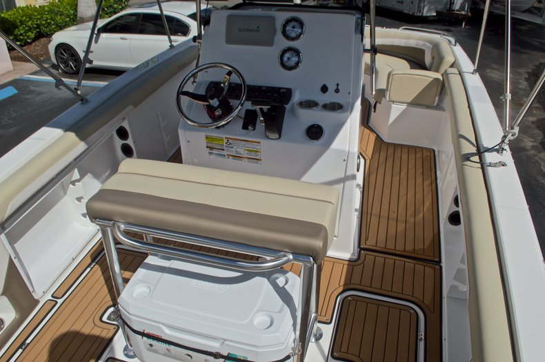 Thumbnail 9 for New 2017 Hurricane CC21 Center Console boat for sale in Vero Beach, FL