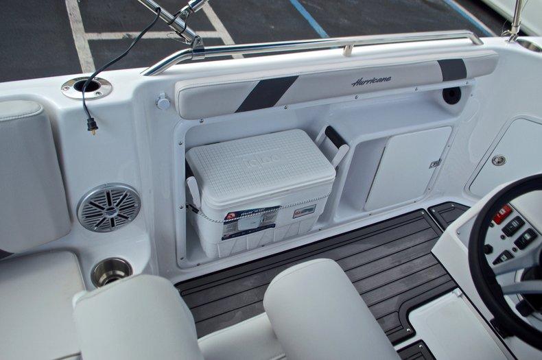 Thumbnail 24 for New 2017 Hurricane SunDeck Sport SS 211 OB boat for sale in Vero Beach, FL
