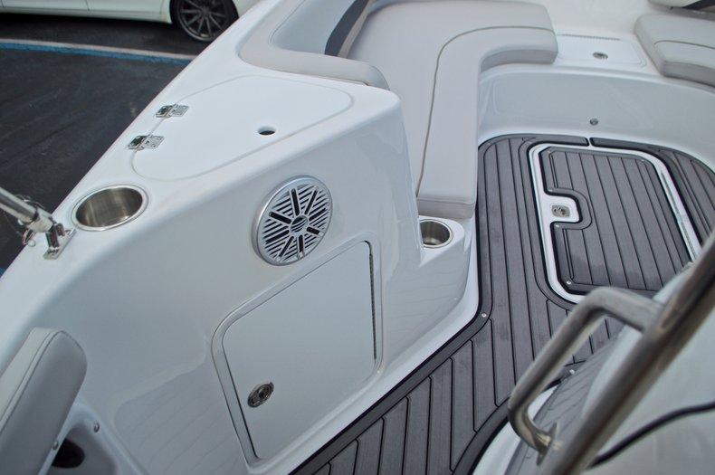 Thumbnail 38 for New 2017 Hurricane SunDeck Sport SS 211 OB boat for sale in Vero Beach, FL