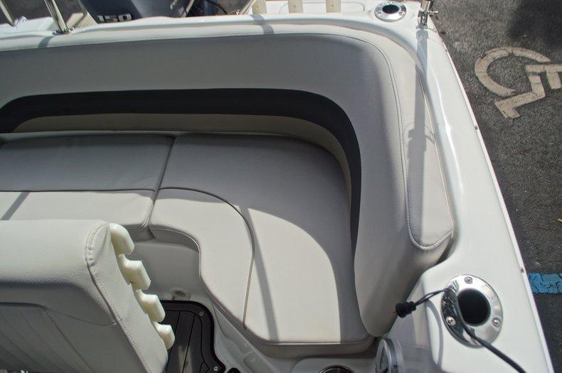 Thumbnail 20 for New 2017 Hurricane SunDeck Sport SS 211 OB boat for sale in Vero Beach, FL
