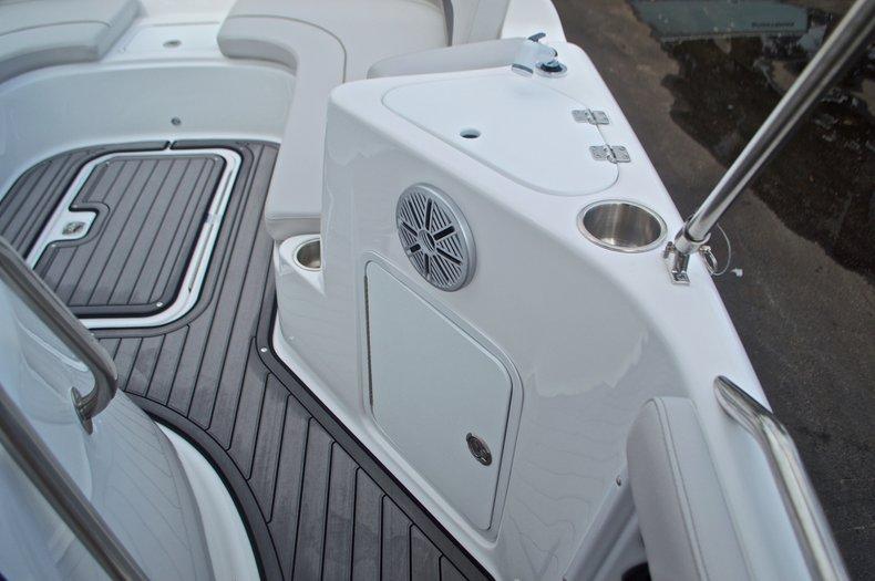 Thumbnail 41 for New 2017 Hurricane SunDeck Sport SS 211 OB boat for sale in Vero Beach, FL