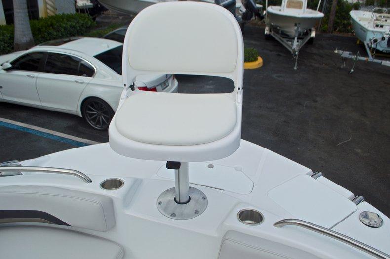 Thumbnail 56 for New 2017 Hurricane SunDeck Sport SS 211 OB boat for sale in Vero Beach, FL