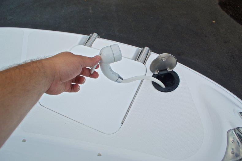 Thumbnail 58 for New 2017 Hurricane SunDeck Sport SS 211 OB boat for sale in Vero Beach, FL
