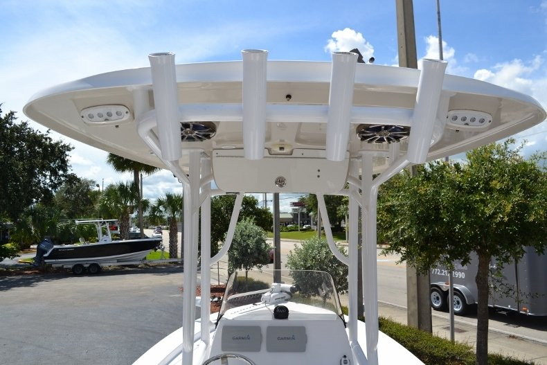Thumbnail 10 for Used 2014 Sportsman Masters 227 Bay Boat boat for sale in Vero Beach, FL