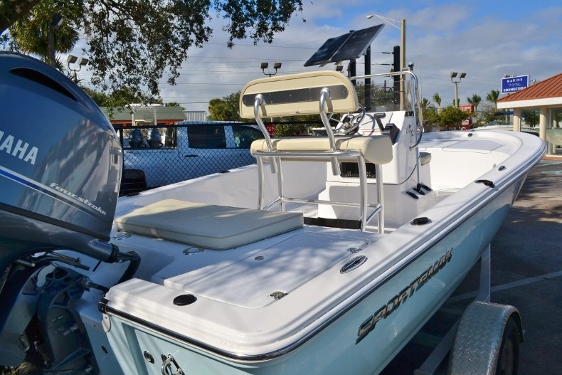 Thumbnail 4 for New 2017 Sportsman 20 Island Bay boat for sale in Vero Beach, FL