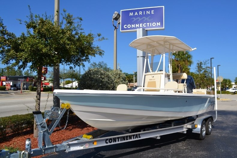 Thumbnail 1 for New 2017 Pathfinder 2200 TRS Bay Boat boat for sale in Vero Beach, FL