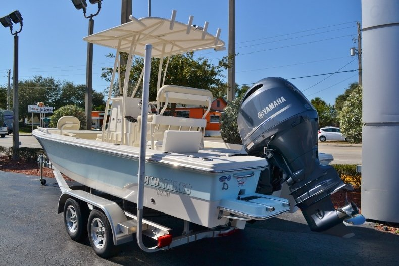 Thumbnail 3 for New 2017 Pathfinder 2200 TRS Bay Boat boat for sale in Vero Beach, FL