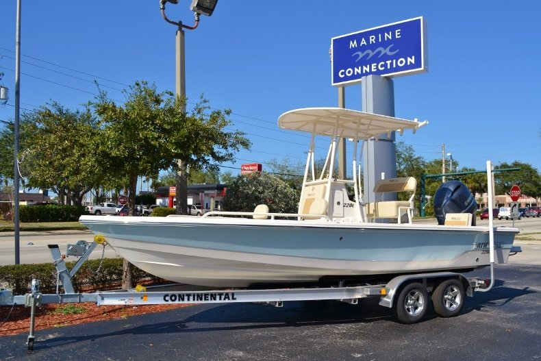 Thumbnail 0 for New 2017 Pathfinder 2200 TRS Bay Boat boat for sale in Vero Beach, FL