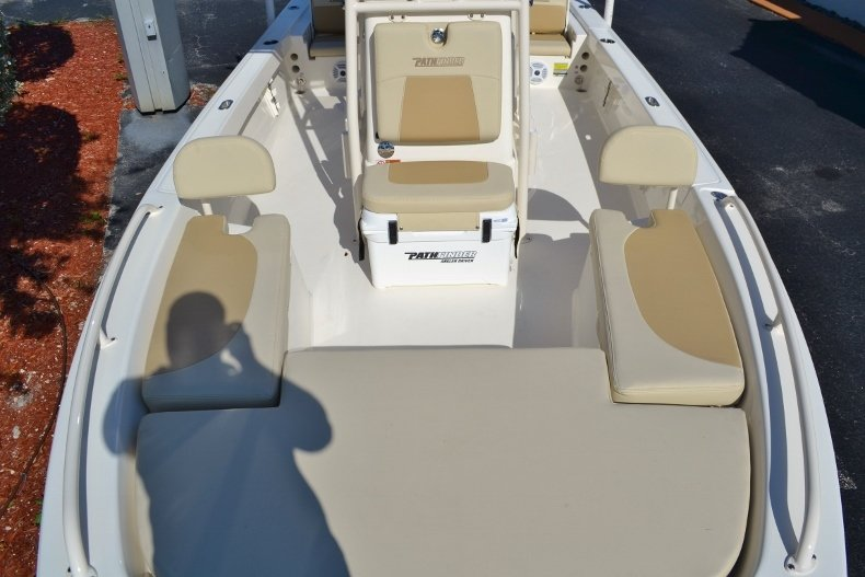 Thumbnail 11 for New 2017 Pathfinder 2200 TRS Bay Boat boat for sale in Vero Beach, FL