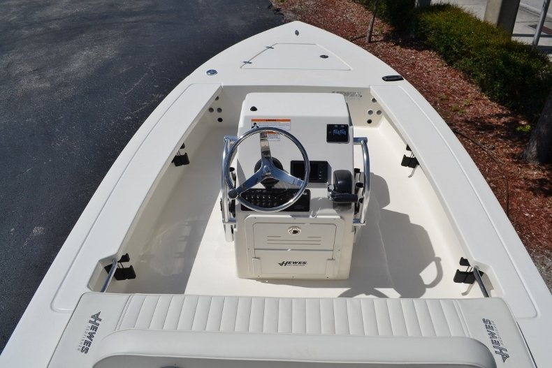 Thumbnail 9 for New 2018 Hewes 16 Redfisher boat for sale in Vero Beach, FL