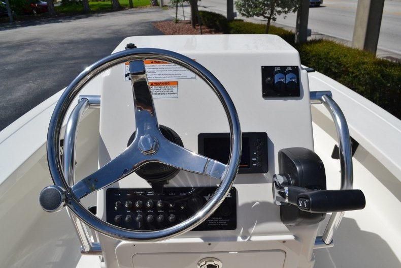 Thumbnail 10 for New 2018 Hewes 16 Redfisher boat for sale in Vero Beach, FL