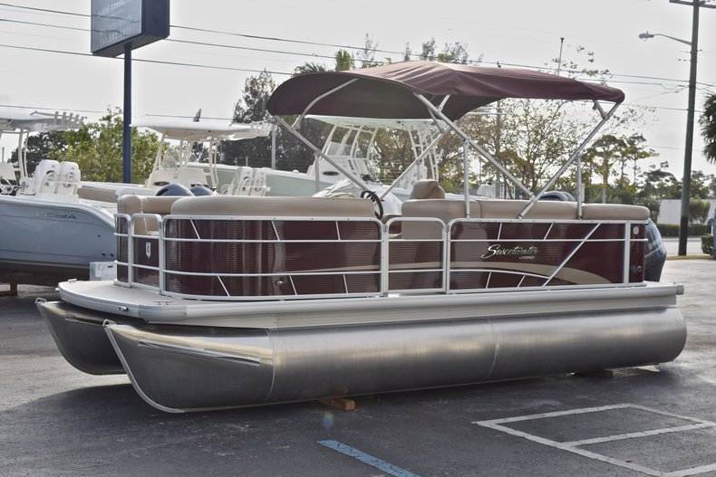 Thumbnail 3 for New 2018 Sweetwater 2086 Cruise boat for sale in Vero Beach, FL