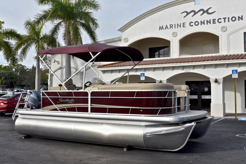 Thumbnail 1 for New 2018 Sweetwater 2086 Cruise boat for sale in Vero Beach, FL