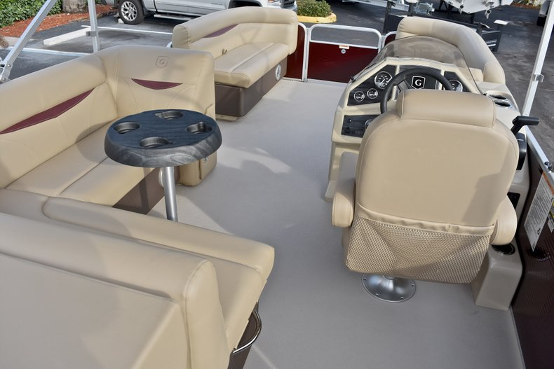 Thumbnail 9 for New 2018 Sweetwater 2086 Cruise boat for sale in Vero Beach, FL