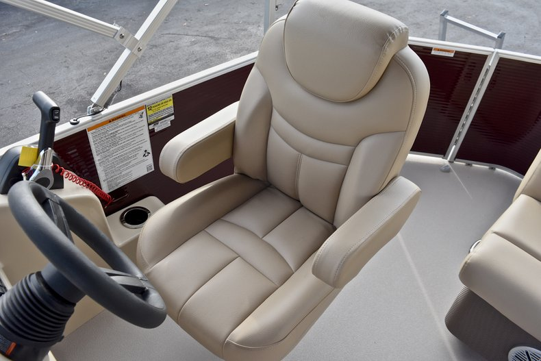 Thumbnail 23 for New 2018 Sweetwater 2086 Cruise boat for sale in Vero Beach, FL