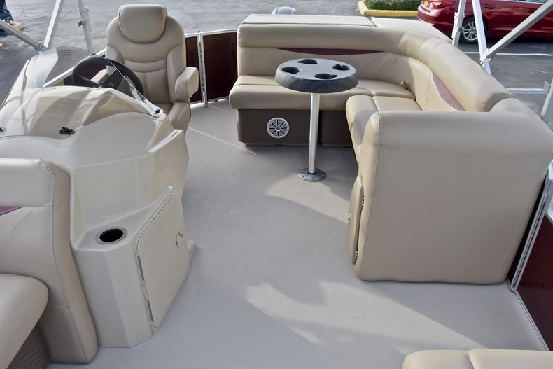 Thumbnail 10 for New 2018 Sweetwater 2086 Cruise boat for sale in Vero Beach, FL