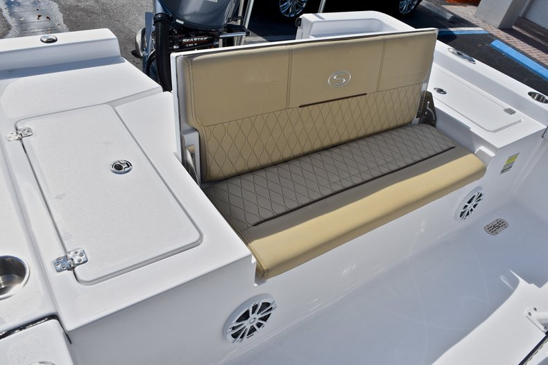 Thumbnail 19 for New 2018 Sportsman Masters 227 Bay Boat boat for sale in Vero Beach, FL