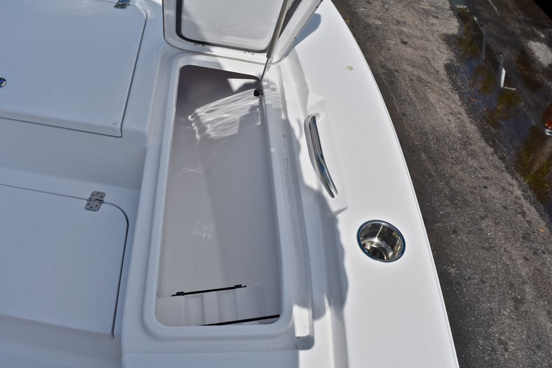 Thumbnail 43 for New 2018 Sportsman Masters 227 Bay Boat boat for sale in Vero Beach, FL