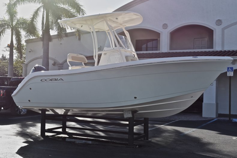Thumbnail 1 for New 2018 Cobia 201 Center Console boat for sale in Vero Beach, FL