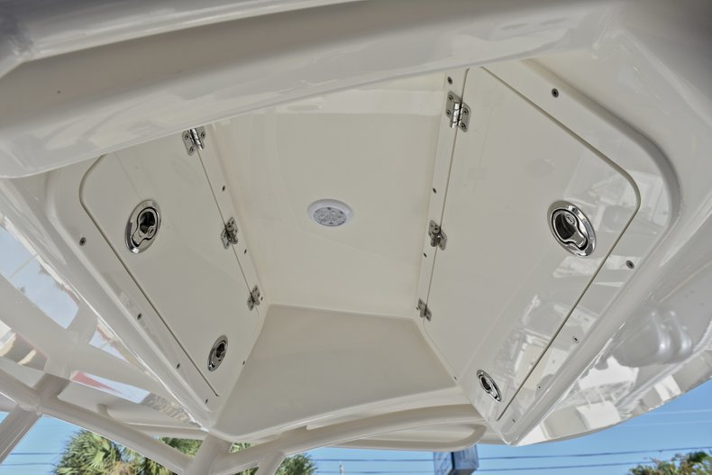 Thumbnail 24 for New 2018 Cobia 201 Center Console boat for sale in Vero Beach, FL