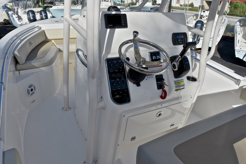 Thumbnail 27 for New 2018 Cobia 201 Center Console boat for sale in Vero Beach, FL