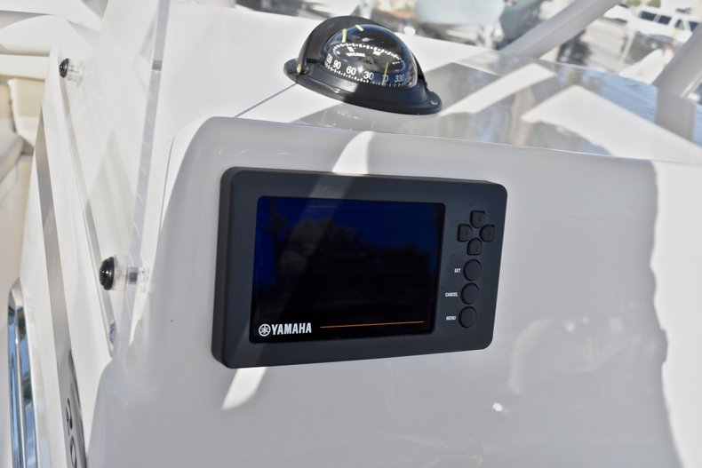 Thumbnail 29 for New 2018 Cobia 201 Center Console boat for sale in Vero Beach, FL