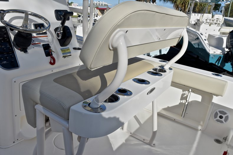 Thumbnail 19 for New 2018 Cobia 201 Center Console boat for sale in Vero Beach, FL