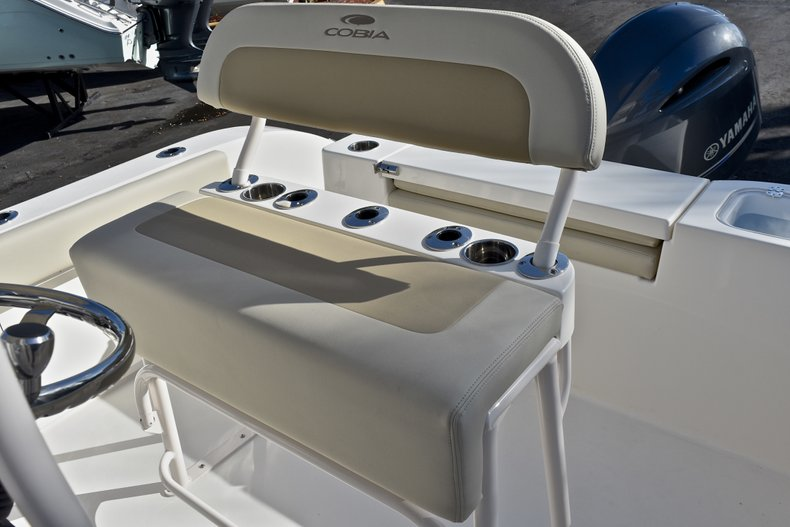 Thumbnail 20 for New 2018 Cobia 201 Center Console boat for sale in Vero Beach, FL