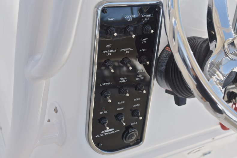 Thumbnail 31 for New 2018 Cobia 201 Center Console boat for sale in Vero Beach, FL