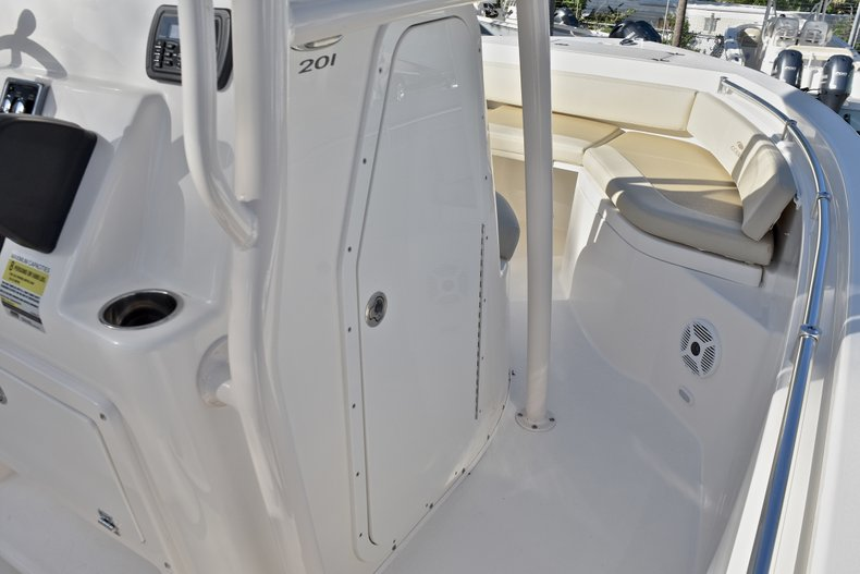 Thumbnail 36 for New 2018 Cobia 201 Center Console boat for sale in Vero Beach, FL
